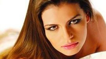 """Super interviu ProMotor cu Monica Columbeanu: cati cai putere baga """"Soferul"""" cu ea in masina!"""