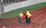 Moment SOCANT la U Cluj - CFR! O petarda i-a explodat in fata unui steward! FOTO