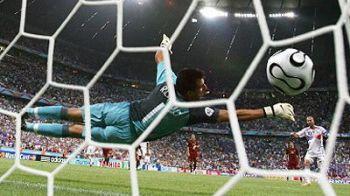 Cine repeta performanta lui? A dat un gol FABULOS, cel mai tare din istoria Champions League! VIDEO