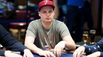 Canadianul care ii calca pe urme lui Negreanu loveste la mondialul de poker online: A sarit de 8.000.000 $ castigati