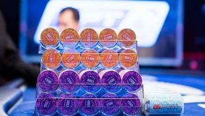 Cartea de 100.000 $: Un canadian s-a imbogatit la poker pe internet