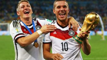 """Ii intrec pe spanioli si cand vine vorba de DISTRUS trofee! :) Jucatorii Germaniei au stricat trofeul CM, dupa """"modelul"""" Ramos"""