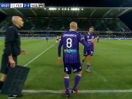 Vladoiu e mic copil :) VIDEO: Un jucator a fost eliminat la doar 15 secunde dupa ce a fost introdus pe teren! Vezi faza