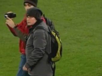 Imagini fabuloase la meciul lui Real Madrid! Cei mai CIUDATI suporteri care au intrat vreodata pe un teren de fotbal! Ce faceau