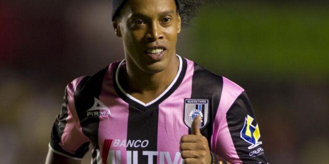 Mutare socanta pentru Ronaldinho! Asta e clubul anonim la care si-ar putea incheia cariera:  Negociem transferul!