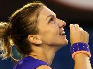Moment EMOTIONANT pentru Simona Halep! Gestul facut dupa victoria cu Wickmayeri-a adus aplauze din partea tuturor! FOTO