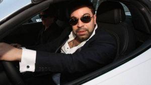 """Fabulos! A scos la vanzare pe net ochelarii lui Florin Salam! Cat cere pe ei: """"Cel care ii poarta devine smecher instant"""""""