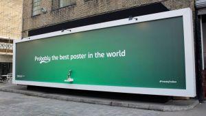 Aceasta este probabil cea mai tare reclama din lume. Motivul pentru care suporterii din Londra au facut coada aici :) FOTO