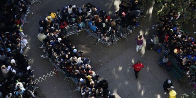 Refugiatii au ingenuncheat Germania. Sirienii au inceput sa se intoarca in tara natala pentru ca nu mai pot supravietui in exil