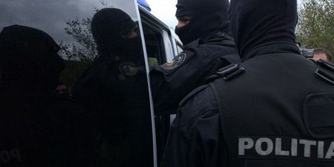 Razboiul interlopilor. S-au batut cu sabii in fata Politiei, in Timisoara