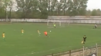 Gol FABULOS in liga a 4-a din Romania! Cum a marcat acest jucator de la 30 de metri