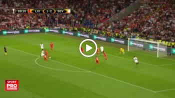 Golul de 3-1 al Sevillei, validat de central in ciuda unei ERORI a asistentului. Un fundas al lui Liverpool a pasat decisiv   VIDEO