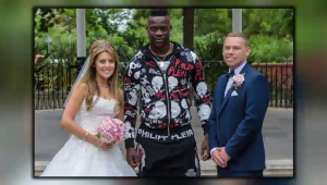 Aparitie senzationala pentru Balotelli la o nunta! Cum a venit imbracat