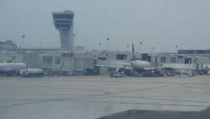 Atac sinucigas langa aeroport. Cel putin 8 oameni si-au pierdut viata, dupa ce 2 bombe au explodat