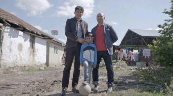 """Performanta are Viitor. FRF si Gillette au ajuns in octombrie la Padureni, unde 500 de pusti s-au intrecut pentru a-i """"lua ochii"""" lui Belodedici"""