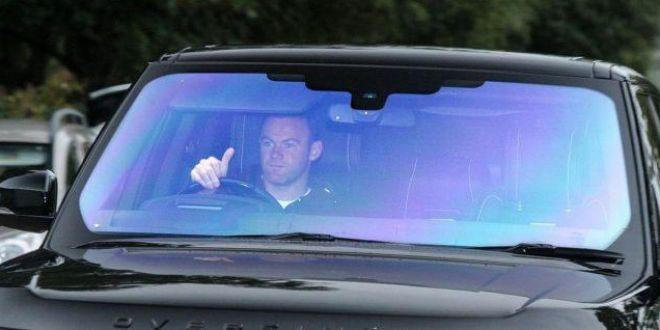 INCREDIBIL: cat i-a suspended Politia permisul lui Rooney pentru ca a condus BAUT!