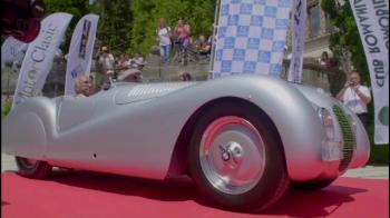 Are 98 de ani si a venit la Sinaia cu o masina de 20 de milioane de euro! PRIMUL pilot de curse din istoria Romaniei. VIDEO