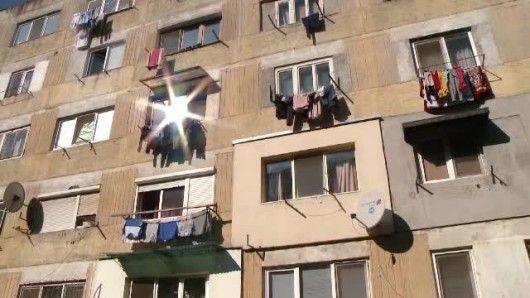 Amenzi uriase pentru uscatul rufelor la vedere, in Romania. Vinovatii,  turnati  de multe ori de vecini